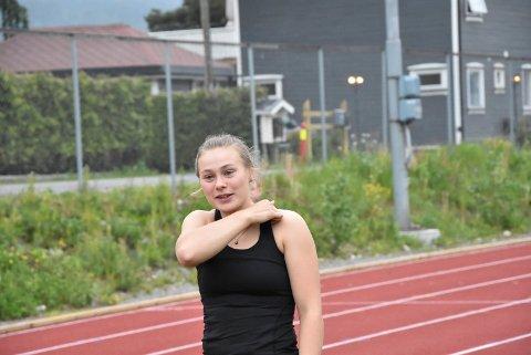REKORDFANGST: Irun Berget Hedegart (20) i Snøgg Friidrett satt tre klubbrekorder i mai og juni, på henholdsvis 400 meter hekk, 2000 meter og 3000 meter.