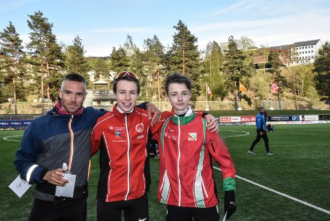 LØPERE: (f.v) Kjetil Brårud, Vebjørn Hovdejord og Åsmund Slokvik utgjorde pallen av en 5000m i 2019. Realistisk sett er det kun to av disse som nå har sjangs på Snøggs nye og imponerende 10 000-rekord.