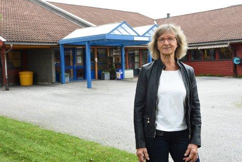 TENK DERE OM: Kommuneoverlege Mie Jørgensen ber folk tenker nøye over om det er nødvendig å dra til røde områder, som Oslo.