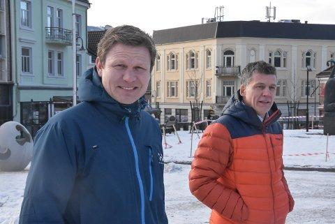 PROSJEKTLEDER: Tormod Hynne (t.v) er prosjektleder for ParaVeka 2021. Nå er det meste av finansieringen på tre millioner kroner på plass. Terje Bergskås representerer næringslivet på Notodden i arbeidsgruppa.
