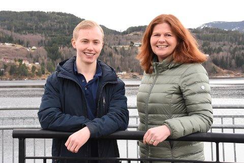 FOSTERHJEM: Gard Evensen og Hilde Holte har en ærlig fosterhjemshistorie å fortelle. En personlig historie om motbakker, gleder, vanskelige følelser og suksess.