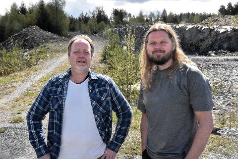HVORFOR: Lars Brede Borgen og Helge Andersson håper flere får øynene opp for at Notodden Ring ikke nødvendigvis er så viktig for Notodden - med tanke på hva de også mister.