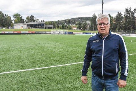LETTET:  - Når spilleren på Fløy ikke hadde smittet egne spillere i garderoben eller på bussen til kampen, tvilte jeg på om noen av våre kunne ha blitt smittet, men det er godt å få bekreftelsen, sier Per Arne Hansen - som med den dramatiske EM-hendelsen i går, kjører i gang et intensivt program for hjerte- og lungeredning i klubben.