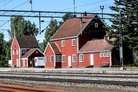 IKKE STOPP: I vinter snakket flere politikere varmt om gjenåpning av Hjuksebø stasjon. Nå har rådmannen i Notodden konkludert med at det er bedre å satse på bussforbindelse til Nordagutu.