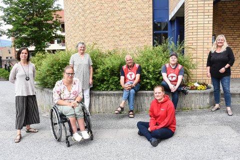 INVITERER: Helene Brekke (Telemarksgalleriet), Guro Ørvella Steihaug (FiN), Ellen Solberg Eliassen (Notodden Frivilligsentral), Ottar Kaasa (Notodden Turlag), Jeanette Gulliksrud (Notodden Røde Kors Omsorg), Thor Olav Sørensen (Notodden Turlag) og Kari Myrene (Helsestasjonen) står bak programmet for årets Barnas Aktivitetssommer.