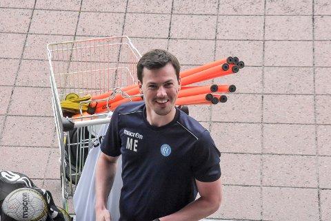 KAMP: NFK-trener Magnus Erga hadde troa på seier i dag. NFK var gode i duell og fikk mange sjanser.