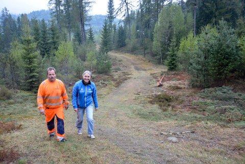 ILDSJELNE: Allerede i 2017 var Willfred Solli og Line Berget Hedegart i Gransherad IL i full gang med opprustingen av lysløypa, og arbeidet har etter den tid bare fortsatt.
