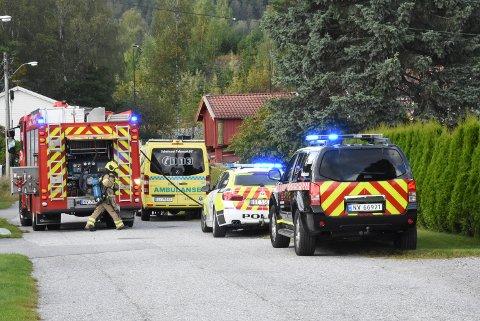 Brann, politi og ambulanse rykket alle ut da det ble meldt om røykutvikling i Lienveien.