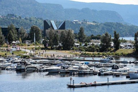 61 DAGER: Notodden endte opp med 61 sammenhengende sommerdager i 2021. Dermed slo vi ikke vår egen norgesrekord fra 2006, men vi fikk nok en gang bekreftet at vi er en sommerby.