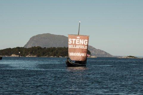Klart budskap: - Målet med toktet er å sette fokus på den trusselen Sellafield-anlegget utgjør for Norge. Foto: Privat