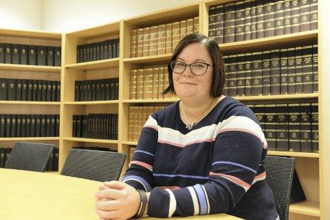 FOLKEMØTE: Line Karlsvik ønsker større åpenhet rundt mobbing. Torsdag inviterer hun til folkemøte i bystyresalen.