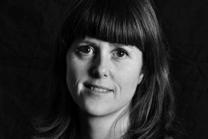 SPALTIST: Marie Olaussen, nyhetsleder i Tønsberg Blad, skriver om livet på Holmestrand rockeklubb.