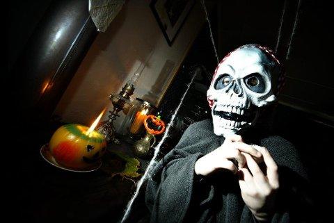 REKORDÅR: Aldri har nordmenn brukt mer penger på lys, masker, kostymer og Halloween-effekter.