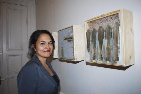 NYKOMMER: Kunstner Melanie Hongve har brukt gamle planker fra huset sitt på Tjøme i sine arbeider. Hun liker å bruke bygningsmaterialer som tre, betong og metal. Hongve tar kunstutdanning i Utrecht.