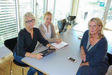 STØTTER STUDENTENE: Tone Woll Buer, Lise Nordahl og Kari Merete Saltvik i Norsk sykepleierforbund støtter studentene som nå ikke får lønn for å fullføre masteroppgave, slik de først var forespeilet.   - Studentene stolte på løsningen de ble presentert. Nå er tilliten brutt, sier de.