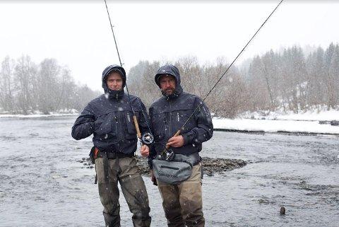 MÅL: – Vi vil vise hvor lett det er å lage god mat av fangsten sin. Fra venstre: Thor Oddvar Havn Soma og Tor Harald Rysjedal.