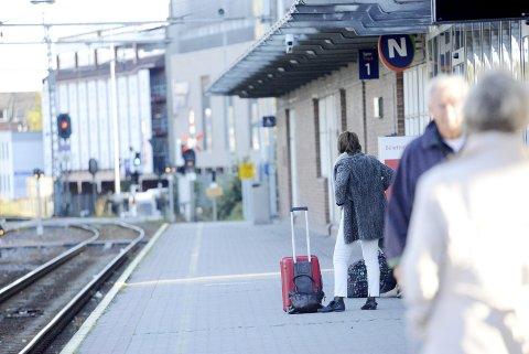 TAFATTE: Det er underlig å se hvor passive og lite tøffe lokalpolitikerne er jernbanesaken, skriver Øyvind Greve. Foto: Anne Charlotte Schjøll