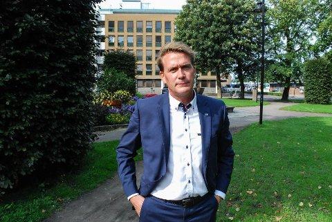 OVERRASKET: Stortingsrepresentant Kårstein Eidem Løvaas trodde først ikke det kunne stemme, da han så hva Nav Vestfold hadde publisert på Facebook.