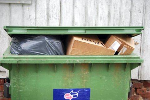 EGNE SØPPELHENTING I PÅSKEN: – avfallet som skal hentes hjemme hos deg må settes klar, skriver Vesar på nettsidene sine.