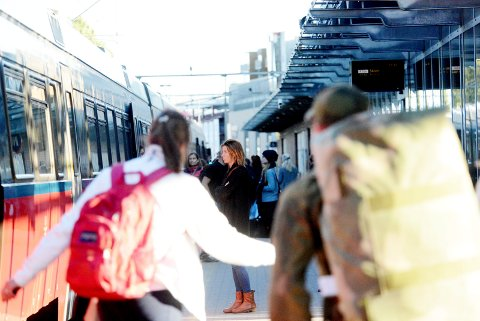 BØR BLI: Tønsberg stasjon bør ligge der den ligger og bli en såkalt sekkestasjon, der togene kjører inn og ut samme vei, mener Harald Thinn Syvertsen.
