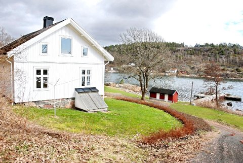 NYE RUNDER: Byggene på Håøya skal gjennom en ny runde hos statsetatene før de eventuelt blir lagt ut for salg etter sommeren.