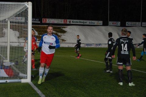 Dusinet fullt: Michael Larsen satte inn scoring nummer tolv i målfesten mot Fram 2. FOTO: Henrik Ogann