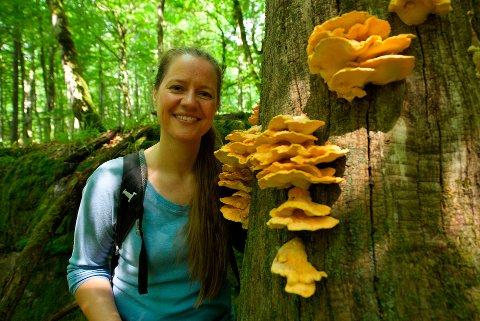SIKRE MANGFOLDET: Ta vare på naturen, oppfordrer skogsbiolog Trude Myhre.