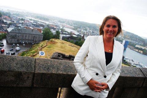 NY DIREKTØR: Lena Fahre går nå fra direktørjobben på Slottsfjellsmuseet til samme stilling ved 22. juli-senteret.