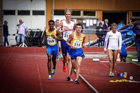 ALDRI LØPT FORTERE: Jonatan Andersen Vedvik hang seg på svenskene, og løp sin beste 5000 meter noensinne.
