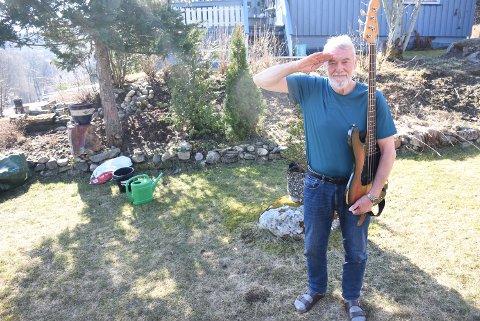 GIV AKT: Over 40 år etter at menig 57 Brandtzæg la vekk bassen som medlem av Heimevernslaget, er han klar for tjeneste igjen.