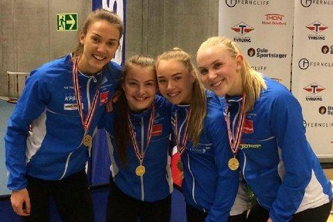 Anastasia Lunde nummer to fra venstremed lagvenninnene Sara Dorthea Jensen, Ingvild Meinset og Line Johansson.