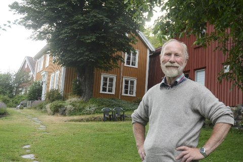 Flotte Omgivelser: En av de mange innspillingene til Farmen kommer helt inn i hagen til Bjarne Bjorvatn på Narestø.Foto: Øystein K. Darbo