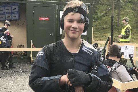 Toralf Solberg (16) er klar for feltskytingsfinale i juniorklassen. Foto: Olav K. Vaaje