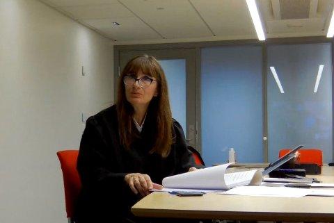 De to ansatte som har gått til sak mot sin tidligere arbeidsgiver, Englegård behandlingssenter, er organisert i Fagforbundet, og er representert ved LO-advokat Elisabeth Grannes.