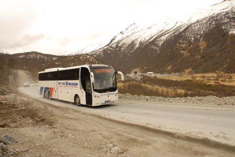 Var smitta: Øst-Vest Ekspressen kjøres av A/S Jotunheimen og Valdresruten Bilselskap. I jula var det to koronasmitta passasjerer med bussene. En passasjer lille julaften og en passasjer på julaften.