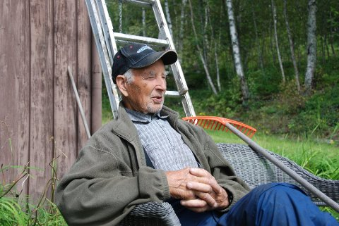 Nils T.Døvre ble 103 år gammel. Det er bare to år siden han var landets eldste kandidat til et kommunestyre i Norge.