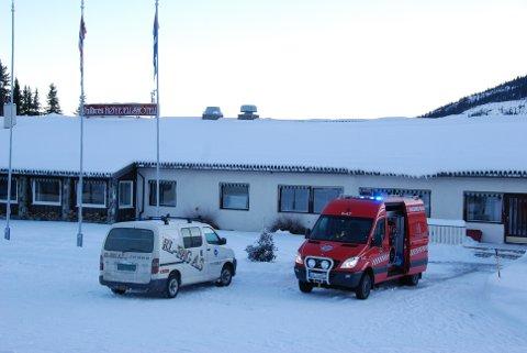 Brann avverga: Rask utrykning gjorde at det ikkje kom lengre enn til kraftig røykutvikling ved Valdres Høyfjellshotell i Steinsetbygda torsdag føremiddag.