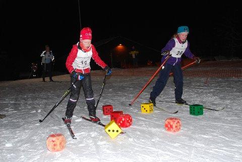 TERNINGKAST:  Sivert Østgård og Sara Bergli må kaste terning for å komme videre