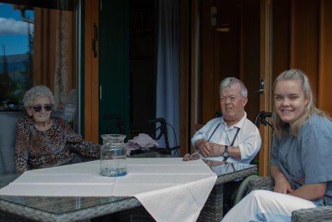 Andrea saman med Einar Reisar Bøe (89) og Solveig Marie Kvam (103).