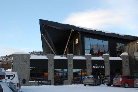 Beitostølen: Orienteringa og lunsjen under besøket frå Fylkesmannen torsdag er her i nye Lodge 900.