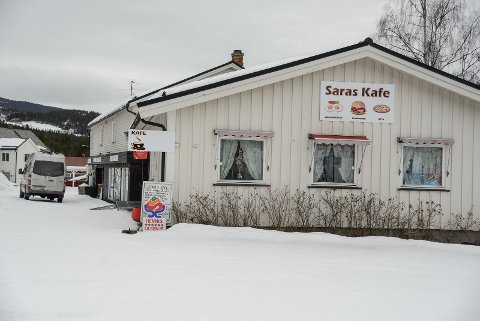 Saras kafe har som Mjøsvang kafe og Filefjellstuene lagt ned matserveringa no.