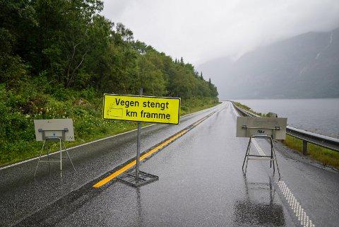STENGT: E16 mellom Øye og Grindaheim i Vang holdes stengt over natten.