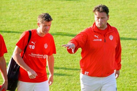 TRENERDUO: Jan Tore Øverby og Roger Tvenge har ledet Jevnaker-laget for siste gang.