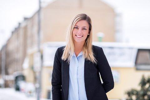 HYPPIGERE FORSØK PÅ KUPPING: – Det er en risiko for selger både å si ja og nei til et tilbud før budrunden, sier eiendomsmegler ved DNB Eiendoms kontor i Nittedal, Lise Egge.
