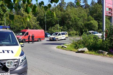 SKJEDDE HER: Trafikkulykken på Abildsø skjedde i krysset mellom avkjørselen fra E6, Circle K Abildsø og Lambertseterveien.