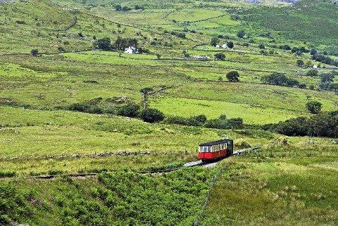 Snowdon Mountain Railway går mellom Llanberis og fjelltoppen Snowdon i nasjonalparken Snowdonia.