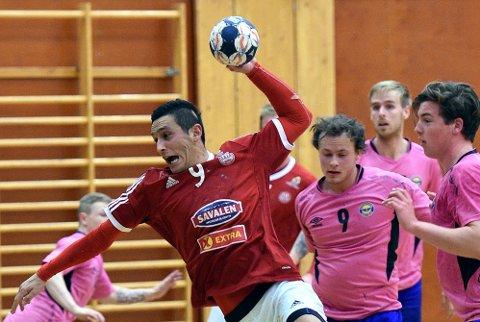 TOPPSCORER: Nikola Tesic fortsetter å score. Mot Fjellhammer ble det sju. Bildet er fra en tidligere kamp mot Strindheim.
