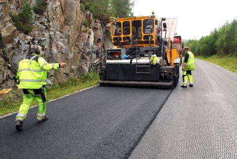 Snart er det sesong for asfaltering. Illustrasjonsfoto.