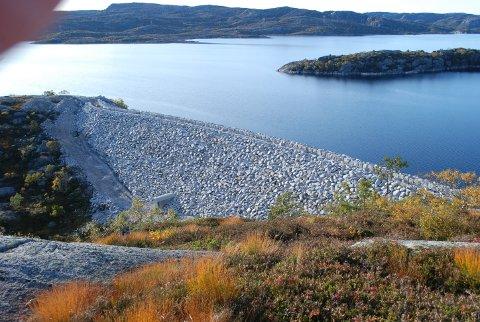 OPPGRADERT: Sira-Kvina har brukt mange millioner på å oppgradere Nesjendammen de seneste årene. Energi Norge mener skattetrykket på eksisterende kraftverk må ned for å få finansiering av nye prosjekter.