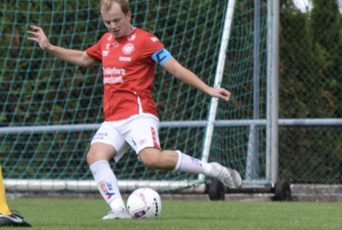 MÅLKALAS: Asle Liland scoret to mål da Flekkefjord feide Greipstad av banen lørdag ettermiddag. FFK vant 7-0.